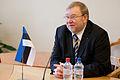 Saeimas deputāti tiekas ar Igaunijas aizsardzības ministru (6770222547).jpg