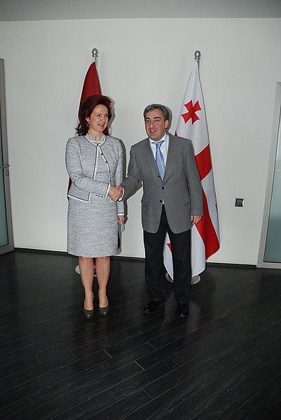 File:Saeimas priekšsēdētāja tiekas ar Gruzijas premjeru (6875636763).jpg