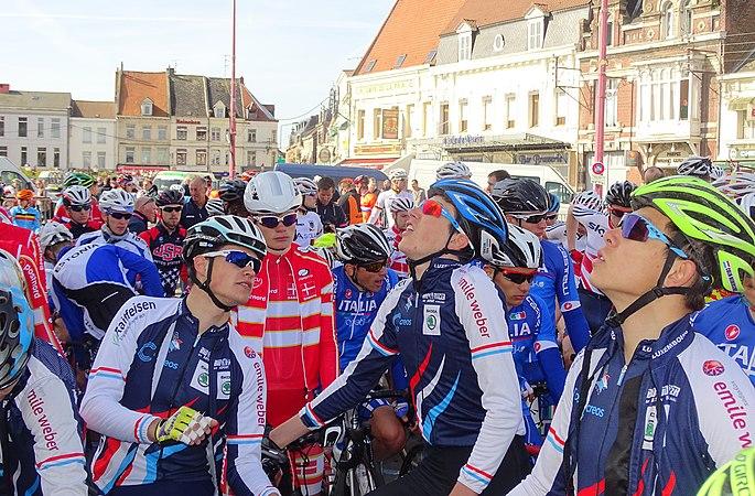 Saint-Amand-les-Eaux - Paris-Roubaix juniors, 12 avril 2015, départ (A65).JPG