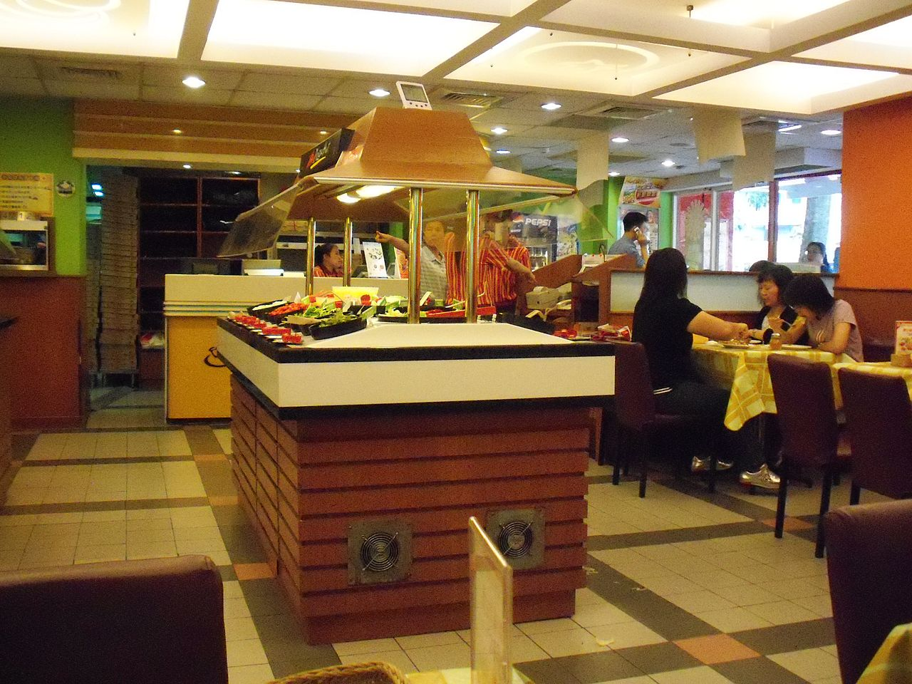 File:Salad Bar of Pizza Hut Nangang Restaurant 20090822b.JPG - Wikimedia Commons