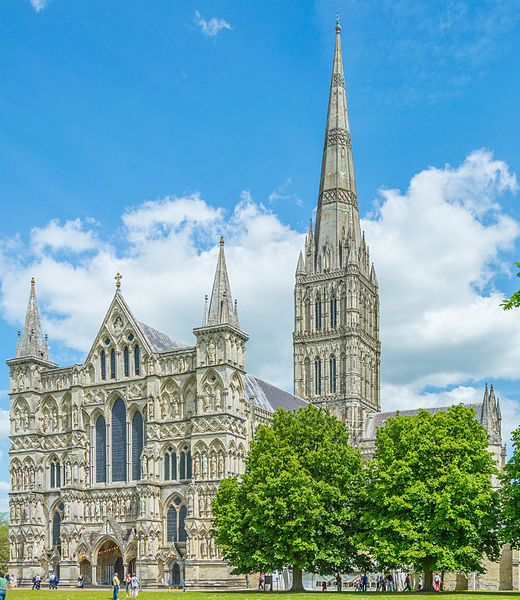 File:Salisbury Cathedral June 2015.jpg
