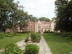 Salisbury House, back view from gardens.JPG