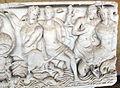 Sarcofago 35 con Nereidi e Tritoni e busto centrale del defunto (fine del II secolo), 04.JPG