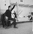 Serge Lifar bij repetitie van Nederlands Ballet, Bestanddeelnr 912-2429.jpg