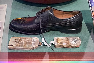J. Doyne Farmer - Farmer's shoe computer is currently on loan to the Heinz Nixdorf Museum in Paderborn, Germany