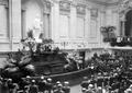 Sidónio Pais presta juramento no Parlamento após a sua eleição para presidente da República, 1918.png