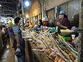 Siem Reap Market inside 2 - panoramio.jpg