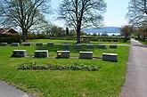 Fil:Siljansnäs kyrka, kyrkogården, maj 2018 01.jpg