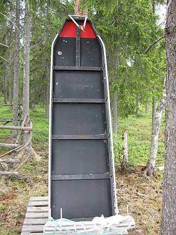 Sled By SeppVei (Own work) [Public domain], via Wikimedia Commons