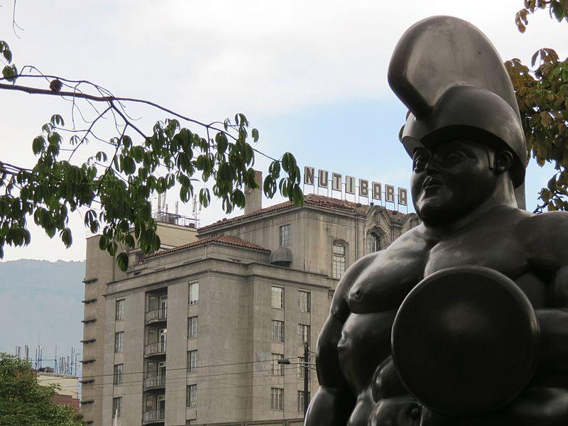 File:Soldado Romano y Nutibara.JPG
