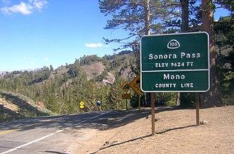 Sonora Pass - Pass sign, eastbound