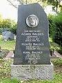 Sossenheim, Friedhof, Grab Baldes-Noss.JPG