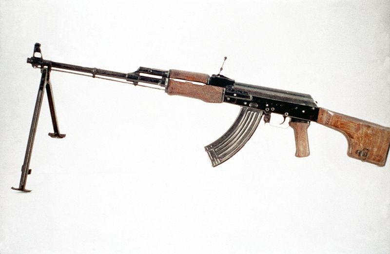 جميع الأسلحة المستخدمة من طرف الجيش الجزائري 800px-Soviet_RPK