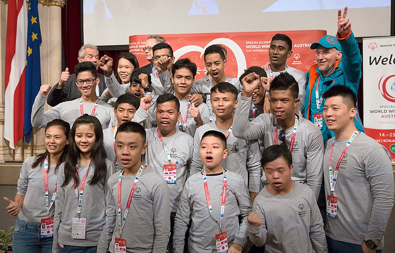 File:Special Olympics World Winter Games 2017 reception Vienna - Singapore 02.jpg