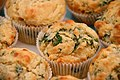 Spinat-Ricotta-Muffins mit Pinienkernen (5357672794).jpg