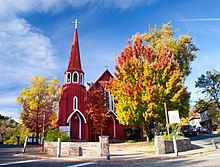 St. James Episcopal Church in autumn 01.jpg