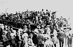StateLibQld 2 119596 Australians leaving London on a Thames steamer during World War I.jpg