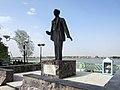 Statue of Badr Shakir al Sayyeb (31042494211).jpg