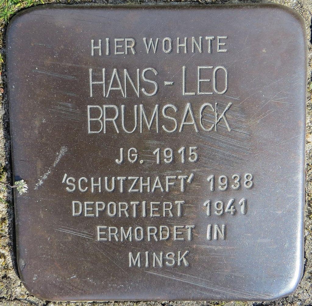 Stolperstein Brumsack, Hans-Leo - Nordstr. 7-8, Sehnde.jpg