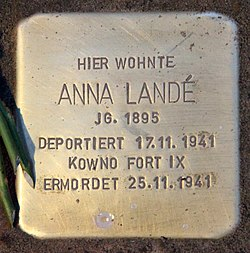 Photo of Anna Landé brass plaque