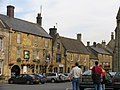Stow-on-the-Wold Town Centre - geograph.org.uk - 2016.jpg