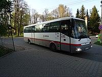 Strančice, žel. st., severní zastávka, autobus 495.jpg