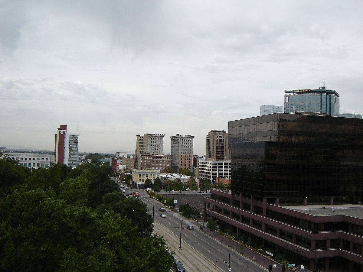 Street view from Top of Salt Lake Public Library Bldg UT - panoramio.jpg