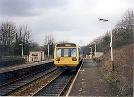 Strines railway station in 1989.jpg
