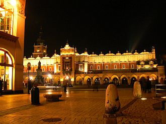 Kraków Cloth Hall - Image: Sukiennice at night (2007)