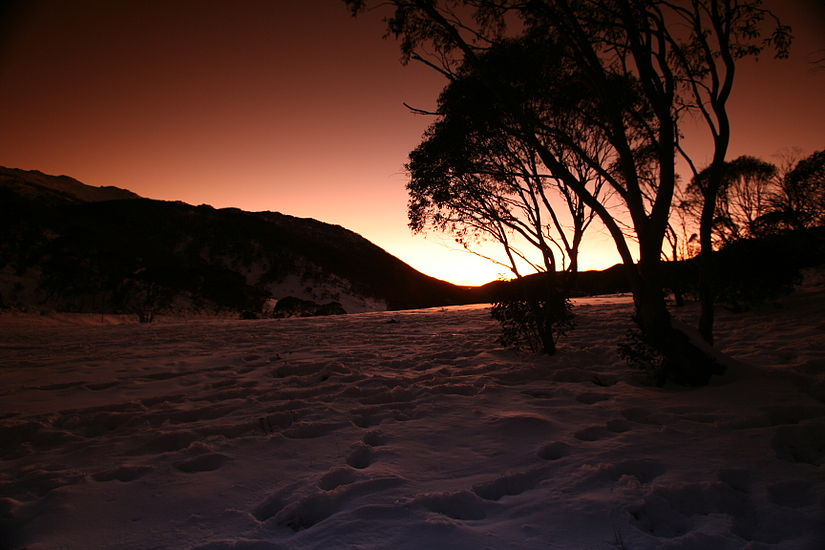 Sunrise at Thredbo's Dead Horse Gap.jpg