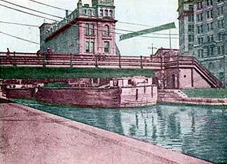 Clinton Square - Erie Canal - Salina Street Bridge at Clinton Square in Syracuse, New York - 1905 - The bridge would raise and lower