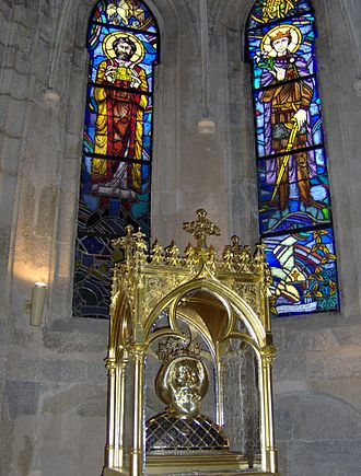 Lili Árkayné Sztehló - Painted windows of Lili Árkayné Sztehló in the Héderváry Chapel (Cathedral of Győr) and the Reliquary of Ladislaus I of Hungary