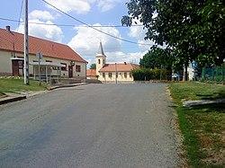 Szilvás központja a templommal.JPG