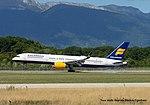 TF-ISF Boeing B757-233 W B752 - ICE (21194792721).jpg