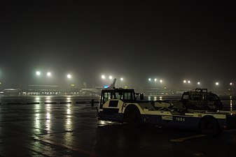 TPE Airport @ mid-night (4287030999).jpg