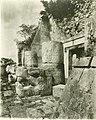 Temple of Jaguars, Chichén Itzá (3675934010).jpg