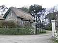 Thatched cottage - geograph.org.uk - 411828.jpg