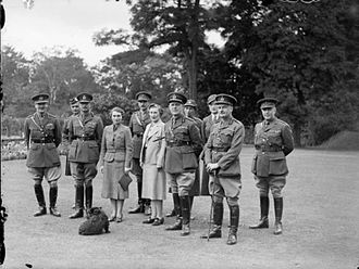 John Vereker, 6th Viscount Gort - The Duke and Duchess of Gloucester, Lord Gort and Lady Gort, with staff officers at the Staff College, Camberley, prior to the departure of Lord Gort and his staff to France, November 1939
