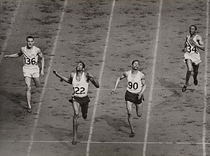 Athletics at the 1948 Summer Olympics – Men's 400 metres - Image: The finish of the mens 400 metres at the Olympic Games, London, 1948. (7649947722)
