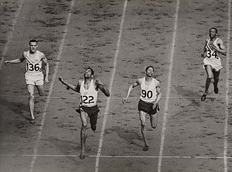 Arthur Wint - Image: The finish of the mens 400 metres at the Olympic Games, London, 1948. (7649947722)