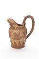 Tillbringarei Wedgewood-stil av lergods med handtag och relief med vinlöv, druvklasar och vinguden - Skoklosters slott - 93349.tif