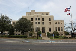 Titus County Courthouse, Mount Pleasant, Texas (6997904820).jpg
