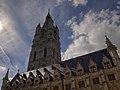 Toren van het Belfort vanop het Sint-Baafsplein,Gent.jpg