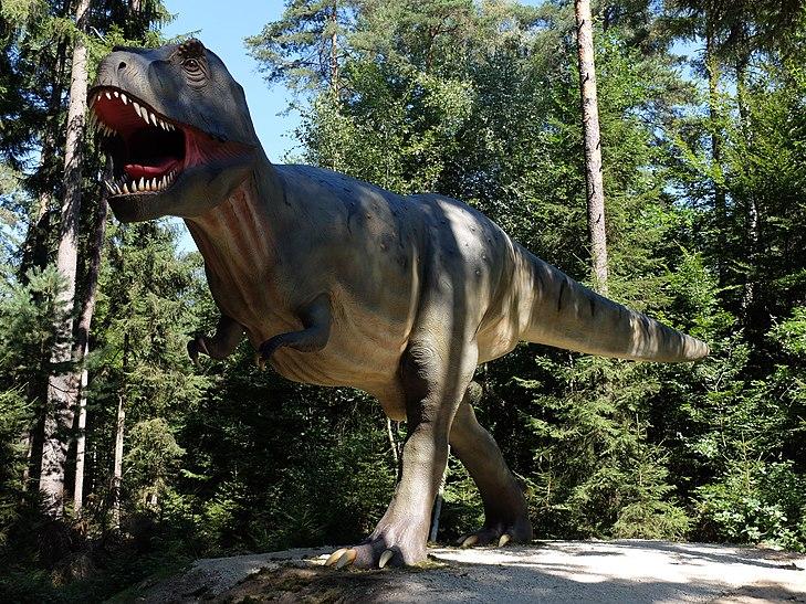 Tyrannosaurus Rex Dinopark Denkendorf.jpg