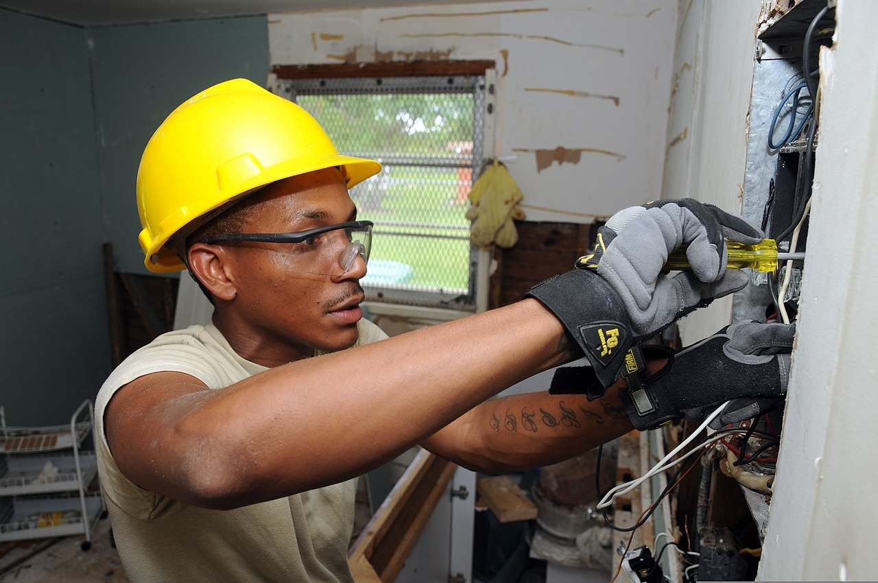 Fileus Army Spc Shan Omeir An Interior Electrician Assigned To Outdated Fuse Box The 758th Engineer Company Fixes A Which Was At Home Of Ruby