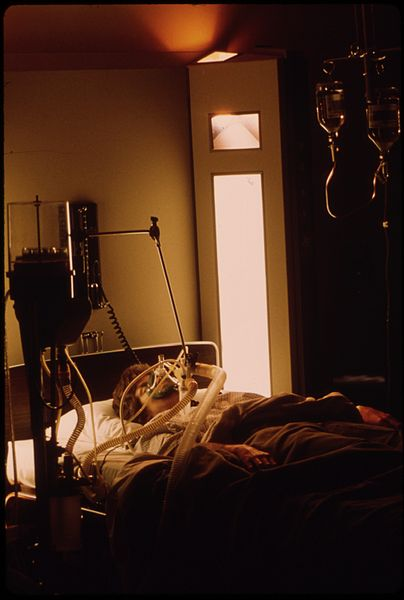 File:UNION HOSPITAL IN NEW ULM, MINNESOTA, HAS FIVE UP-TO-DATE INTENSIVE CARE UNITS SUCH AS THE ONE SHOWN. ALL FUNDS... - NARA - 558177.jpg