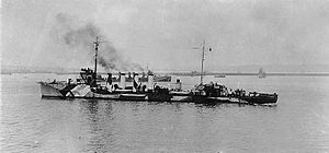 Aylwin-class destroyer - Benham in dazzle camouflage during World War I.