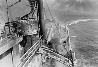 USS Liberty incident - Liberty turns to evade Israeli torpedo boats