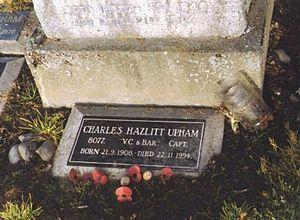 Charles Upham - Charles Upham's gravestone