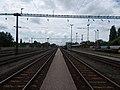 Vasútállomás, a peron kezdőponti vége felől nézve, 2019 Kiskunhalas.jpg